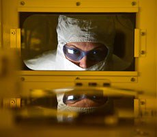 Intel Looks Beyond CMOS WIth Low-Power Quantum-Based MESO Logic Devices