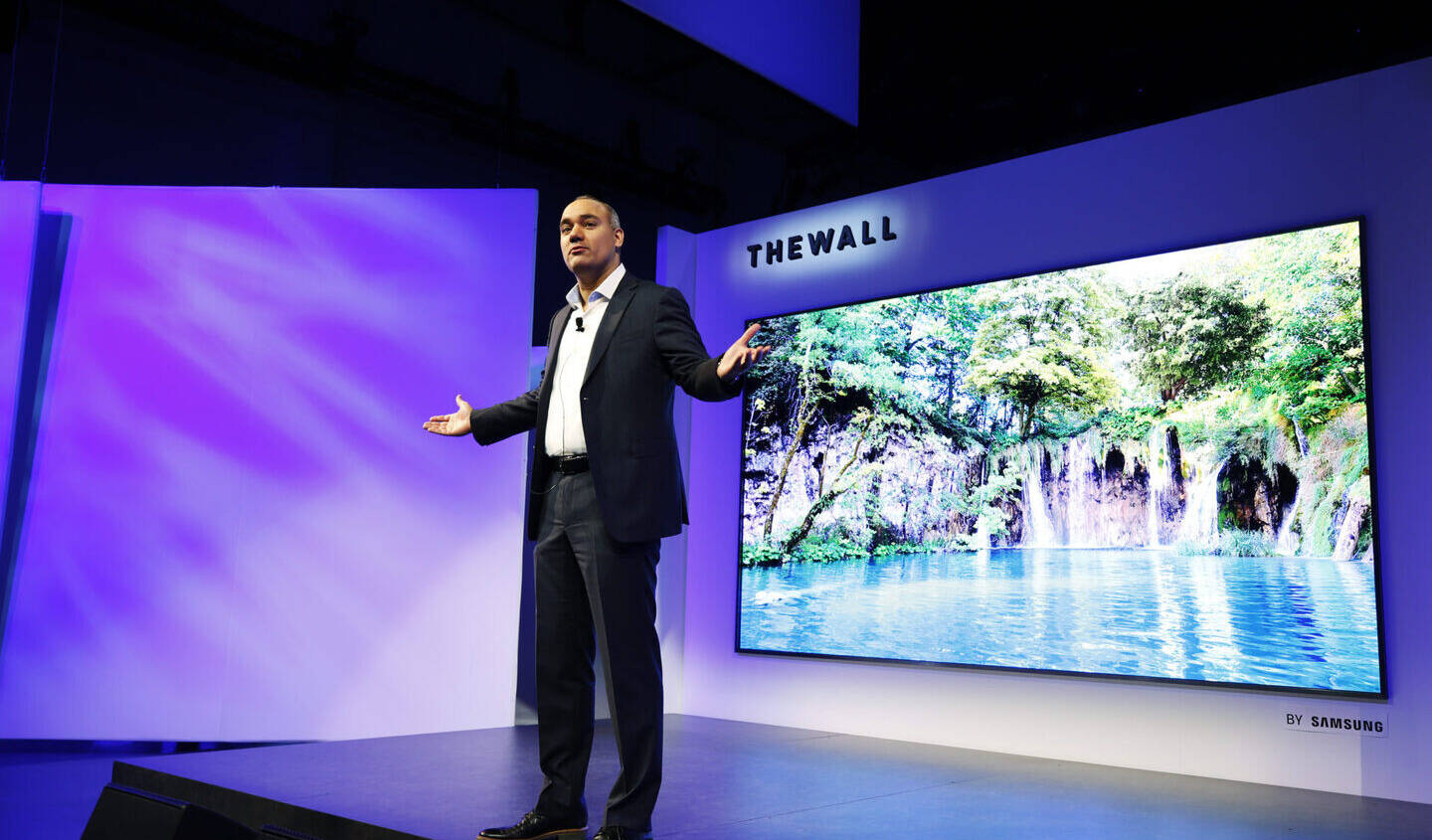 Samsung to Continue Buying LCD Screens from Sharp