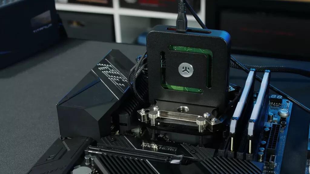 Der8auer Tries Out Intel's TEC Cooler on an AMD Ryzen 9 5950X