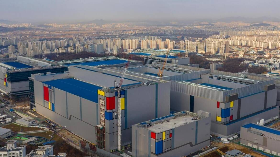 Samsung 14 nm Chip Orders from China Surge