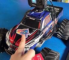 Raspberry Pi 4 Internet-Connected RC Car Mod Is The Perfect Quarantine Project