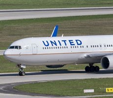 Teen's Boneheaded iPhone AirDrop Prank Results In United Flight Evacuation